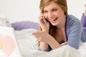 Why Phone Dating Works Better Than Dating Sites